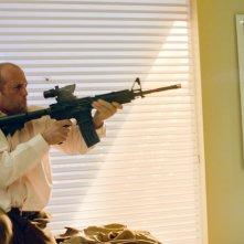 Redemption: Jason Statham imbraccia un fucile