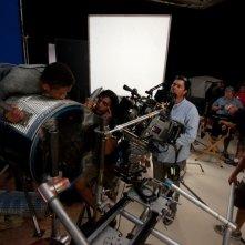 After Earth - Dopo la fine del mondo: Jaden Smith prova una scena sul set insieme al regista M. Night Shyamalan