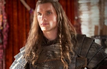 Il trono di spade: Ed Skrein in una scena di The Rains of Castamere
