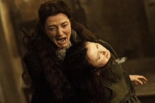 Il trono di spade: Michelle Fairley in una scena di The Rains of Castamere