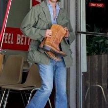 Vizio di forma: Joaquin Phoenix nei panni di Larry Doc Sportello sul set del film