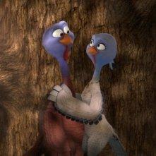 Free Birds: due pennuti si scambiano un gesto d'affetto
