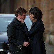 Il Tredicesimo Apostolo 2: Claudio Gioè e Claudia Pandolfi in una scena della fiction