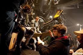 Pacific Rim: Guillermo del Toro sul set del film con Idris Elba e Charlie Hunnam