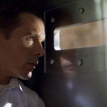 Ethan Hawke ne La notte del giudizio (The Purge, 2013) una scena del film
