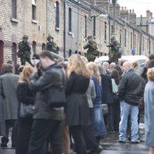 Doppio gioco: una scena del thriller incentrato sul terrorismo dell'IRA