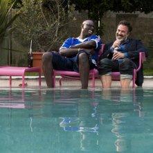 Dream Team: Omar Sy e José Garcia in una scena del film