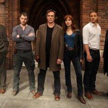 Crossing Lines: il cast della serie in una foto promozionale