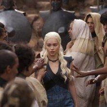 Il trono di spade: Emilia Clarke in una scena dell'episodio Mhysa