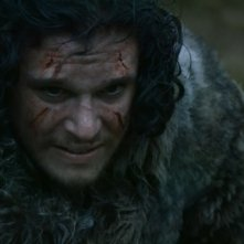 Il trono di spade: Kit Harington in una scena dell'episodio Mhysa