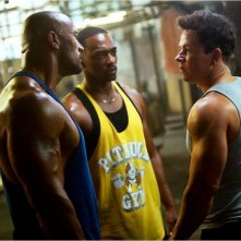 Mark Wahlberg, Anthony Mackie con Dwayne Johnson in Pain & Gain - Muscoli e Denaro