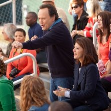 Billy Crystal e Marisa Tomei sono padre e figlia in Parental Guidance