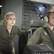 L'uomo d'acciaio: Amy Adams insieme a Christopher Meloni in una scena del film