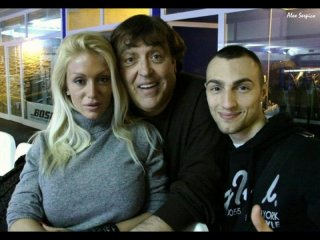 Maurizio Mattioli (al centro) durante le riprese di Rabbia in pugno