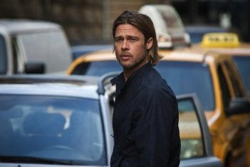 Brad Pitt interpreta Gerry Lane nel film World War Z