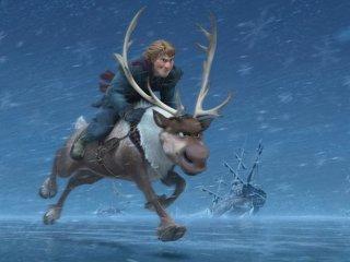 Frozen: Kristoff sfida il gelo a cavallo di una renna