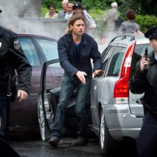 World War Z: Brad Pitt in una scena del film di Marc Forster