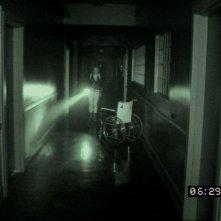 ESP 2: Fenomeni paranormali: riprese di fantasmi in una scena tratta dal film