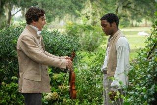 Twelve Years a Slave: Benedict Cumberbatch porge a Chiwetel Ejiofor un violino