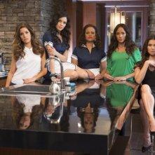 Devious Maids: Ana Ortiz, Judy Reyes, Roselyn Sanchez, Dania Ramirez ed Edy Ganem in una foto promozionale
