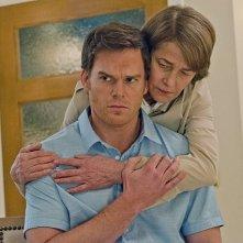 Dexter: Michael C. Hall e Charlotte Rampling in una scena dell'episodio Every Silver Lining