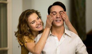 Jonathan Rhys Meyers con Natalia Vodianova in Belle du Seigneur