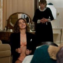 Natalia Vodianova allo specchio in Belle du Seigneur, del 2013