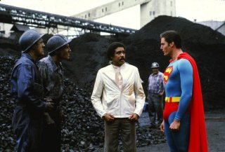 Superman III: Richard Pryor e Christopher Reeve in una scena del film
