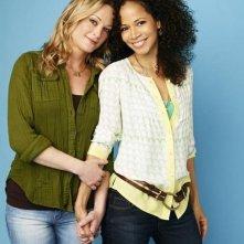The Fosters: Teri Polo e Sherri Saum in una foto promozionale della serie