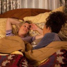 The Fosters: Teri Polo e Sherri Saum in una scena della serie