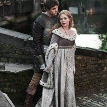 The White Queen: Rebecca Ferguson e Max Irons in una immagine promozionale della serie