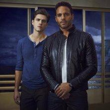 Graceland: Aaron Tveit e Daniel Sunjata in una foto promozionale della serie