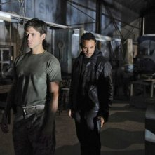 Graceland: Aaron Tveit e Daniel Sunjata nell'episodio Heat Run