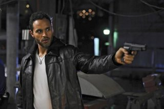 Graceland: Daniel Sunjata in una scena dell'episodio Heat Run