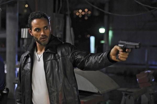 Graceland: Daniel Sunjata in una scena dell'episodio Heat Run