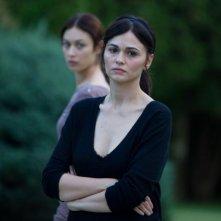 Romina Mondello in una scena di To the Wonder insieme a Olga Kurylenko (sullo sfondo)