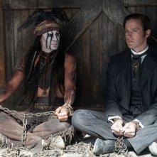 The Lone Ranger: Johnny Depp ed Armie Hammer in una bizzarra scena