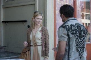 Blue Jasmine: Cate Blanchett discute con Bobby Cannavale sulla porta di casa