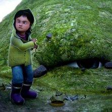 Il grande orso: il giovane protagonista del film animato in una scena