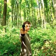 Open Grave: Joseph Morgan in una scena