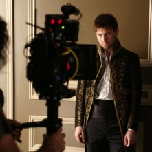 Reign: Torrance Coombs sul set della serie CW