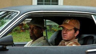 Cani sciolti: Denzel Washington e Mark Wahlberg in una scena