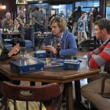 The Goodwin Games: T.J. Miller, Scott Foley e Becki Newton in un momento della serie
