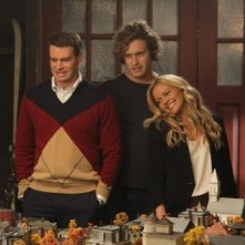 The Goodwin Games: T.J. Miller, Scott Foley e Becki Newton in una scena dell'episodio Hamletta