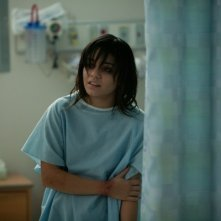 Vanessa Hudgens in tenuta ospedaliera in The Frozen Ground