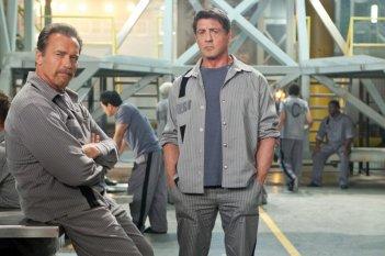 Escape Plan - Fuga dall'inferno: Arnold Schwarzenegger e Sylvester Stallone in una foto promozionale del film