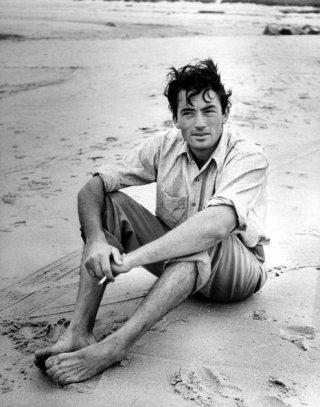 un ritratto di Gregory Peck in spiaggia
