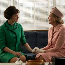 Mad Men: Elisabeth Moss e Channing Chase nell'episodio Favors