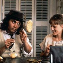 Benny & Joon: Johnny Depp e Mary Stuart Masterson in una scena del film