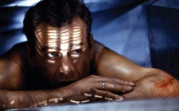 Trappola di cristallo: Bruce Willis è John McClane nel cult d'azione
